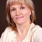 Alyssa Fernandez - Beau Monde author headshot